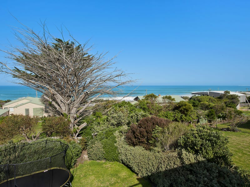 17 Surf Avenue, Apollo Bay, Vic 3233