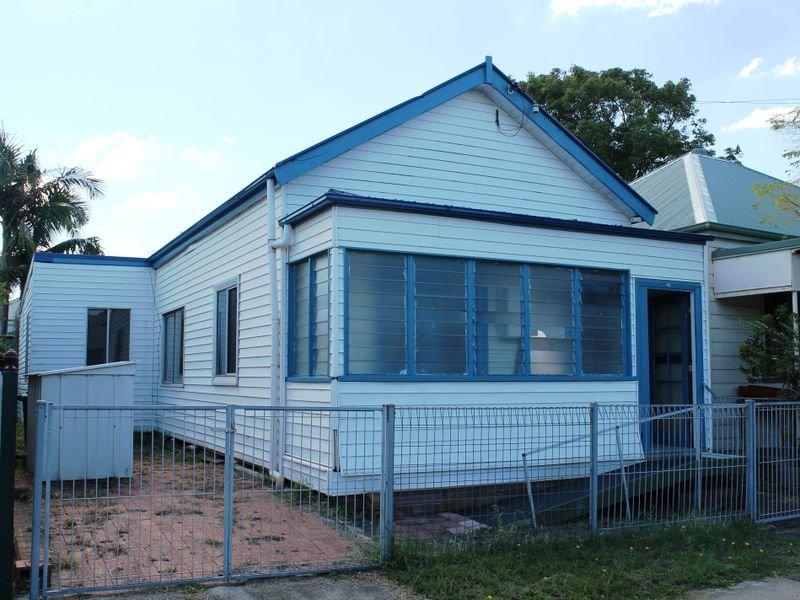 24 Gulliver Street, Hamilton, NSW 2303