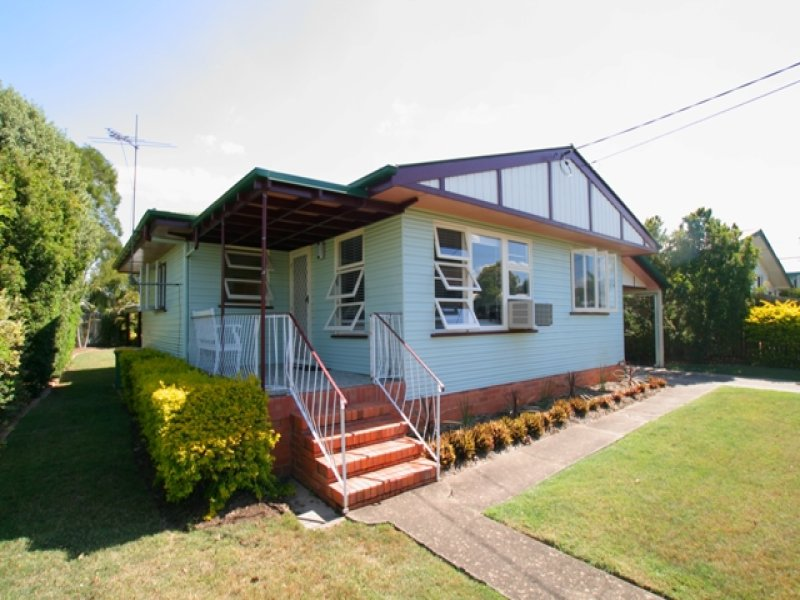 29 Edwards Street, Eastern Heights, Qld 4305