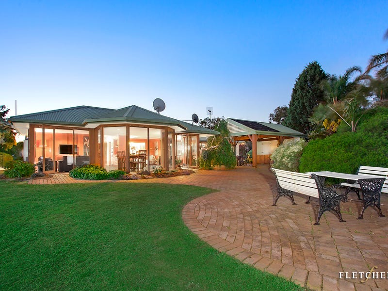 190 Ridge Road, Christmas Hills, Vic 3775