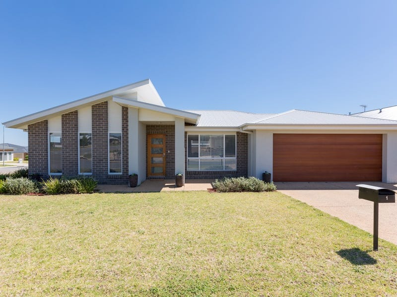1 St Pauls Place, Gobbagombalin, NSW 2650