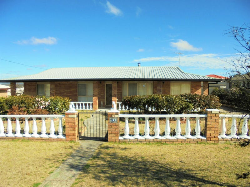 10 Pitts Street, Stanthorpe, Qld 4380