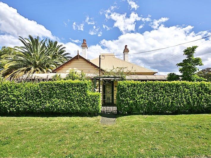 8 Tarawara Street, Bomaderry, NSW 2541