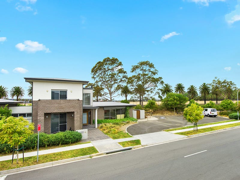 16 Rowe Drive, Potts Hill, NSW 2143