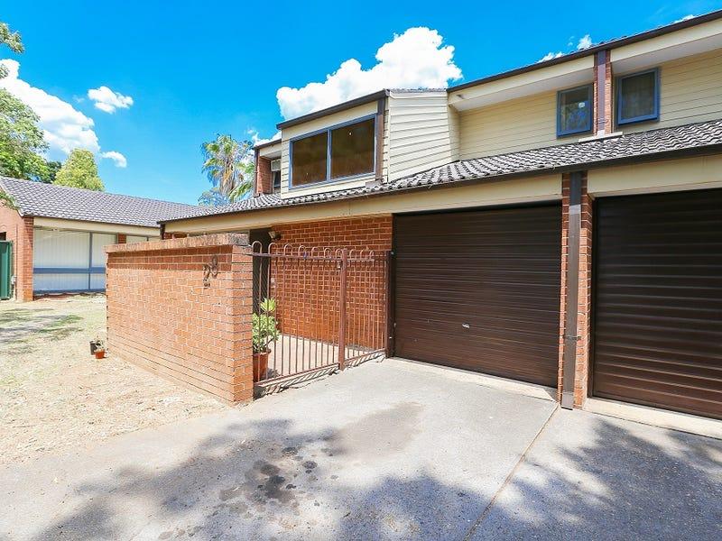 28/15 Fourth Avenue, Macquarie Fields, NSW 2564