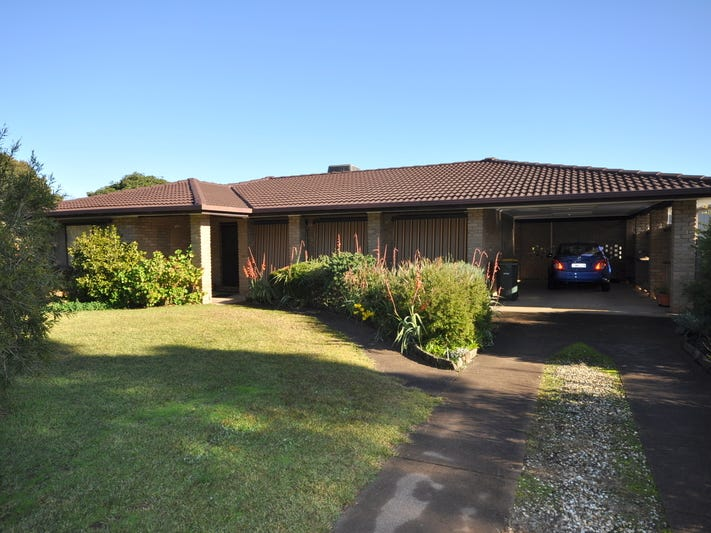 3 Mclaurin Crescent, Holbrook