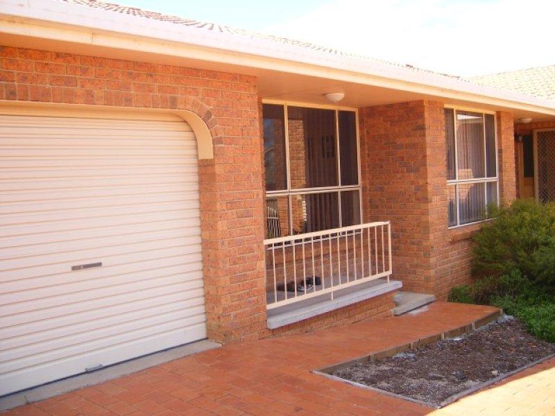 2/6 Cowper Close, Tamworth, NSW 2340