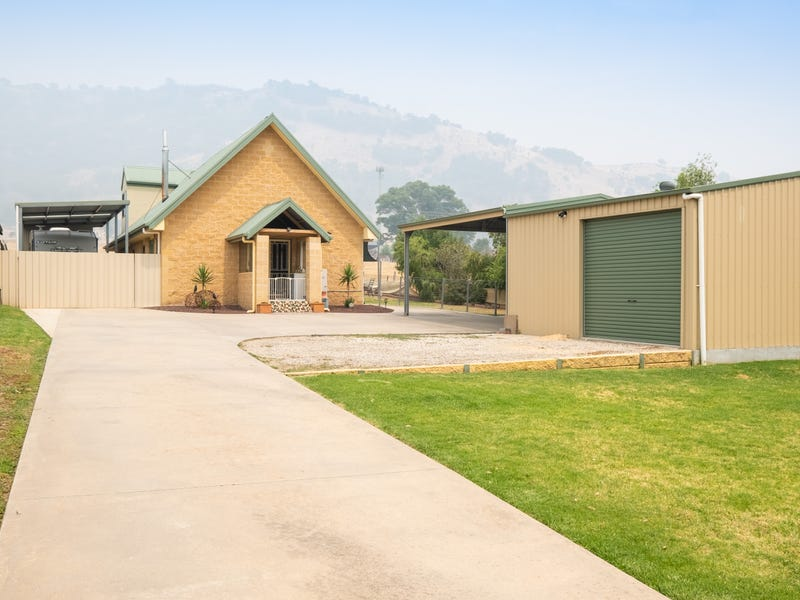 1428 KIEWA VALLEY HIGHWAY, Kiewa, Vic 3691