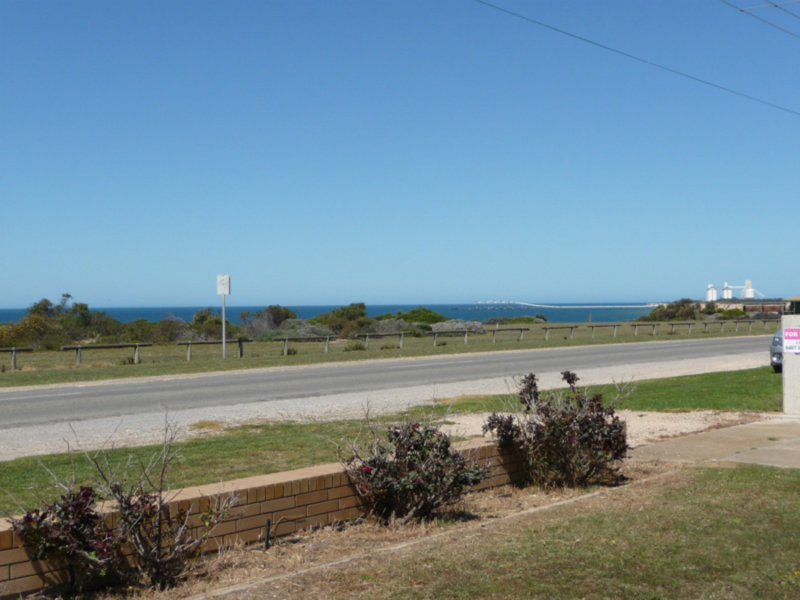 32 The Esplanade, Wool Bay, SA 5575