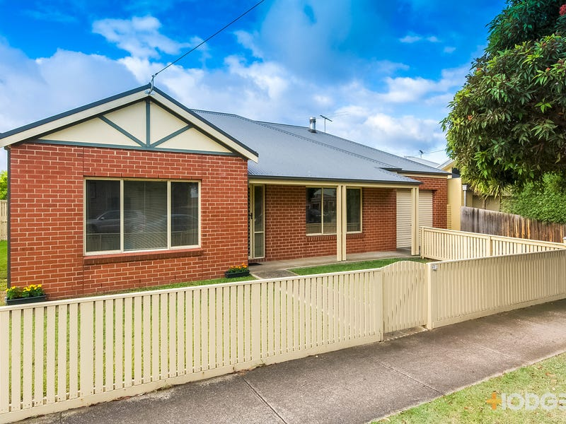 402 Autumn Street, Herne Hill, Vic 3218