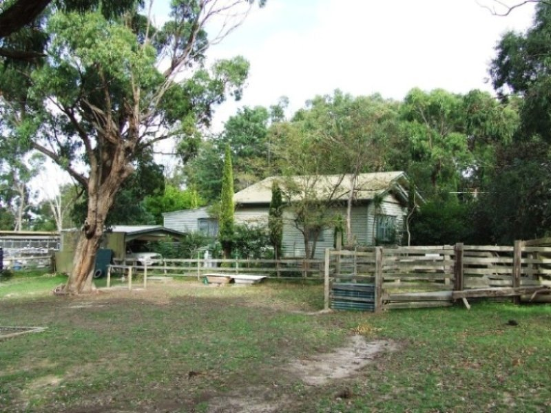 629 Brown Road, Officer, Vic 3809