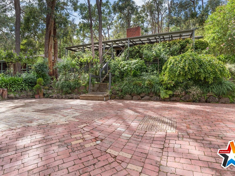 56 Commercial Road, Mount Evelyn, Vic 3796