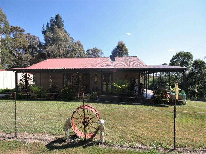 25 Harolds Cross Road, Captains Flat, NSW 2623