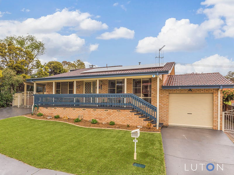 64 Outtrim Avenue, Calwell, ACT 2905