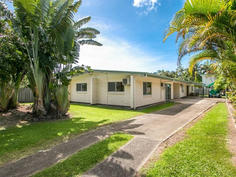 6 Bursa Street, Palm Cove, Qld 4879