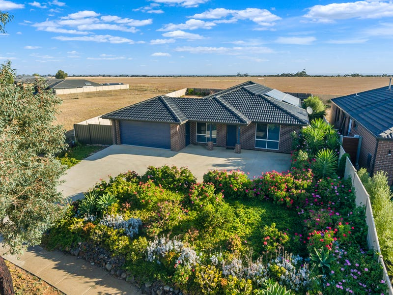 2 Buttercup  Rise, Harkness, Vic 3337