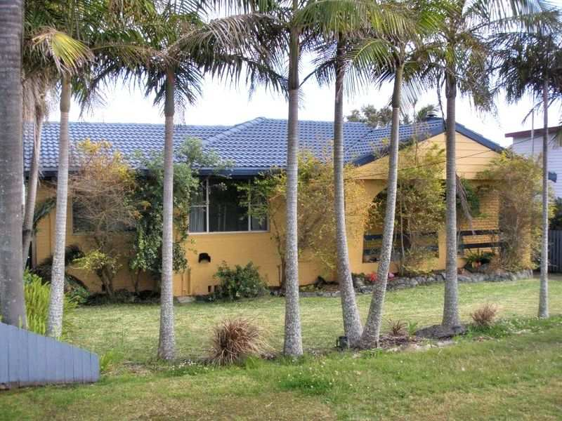 1541 Ocean Drive, Lake Cathie, NSW 2445