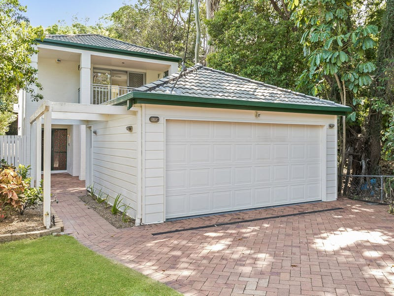 9 Sixth Avenue, St Lucia, Qld 4067