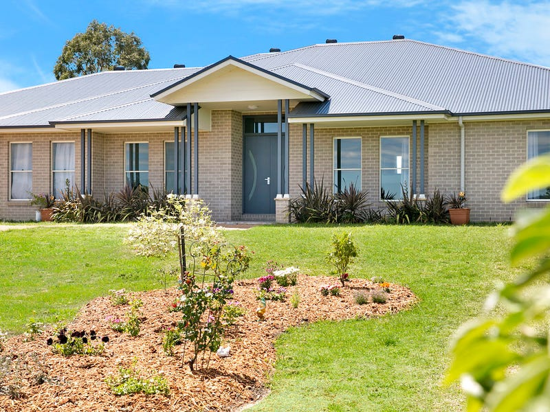 22 Windsor Crescent, Moss Vale, NSW 2577