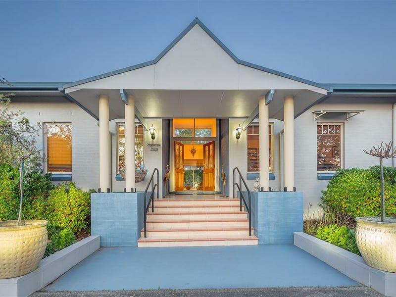 7 Highvista Grove, Ballarat East