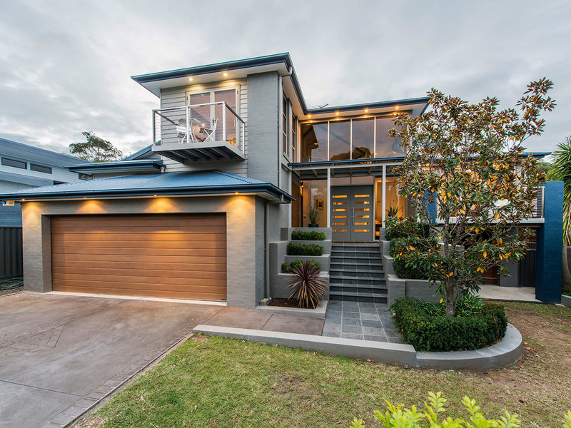10 Governors Drive, Lapstone