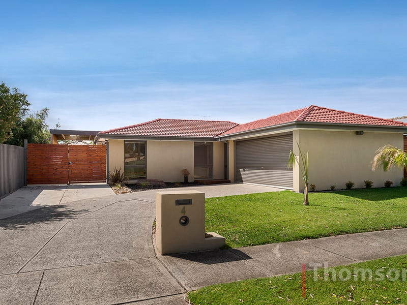 4 Stirling Avenue, Cranbourne North, Vic 3977