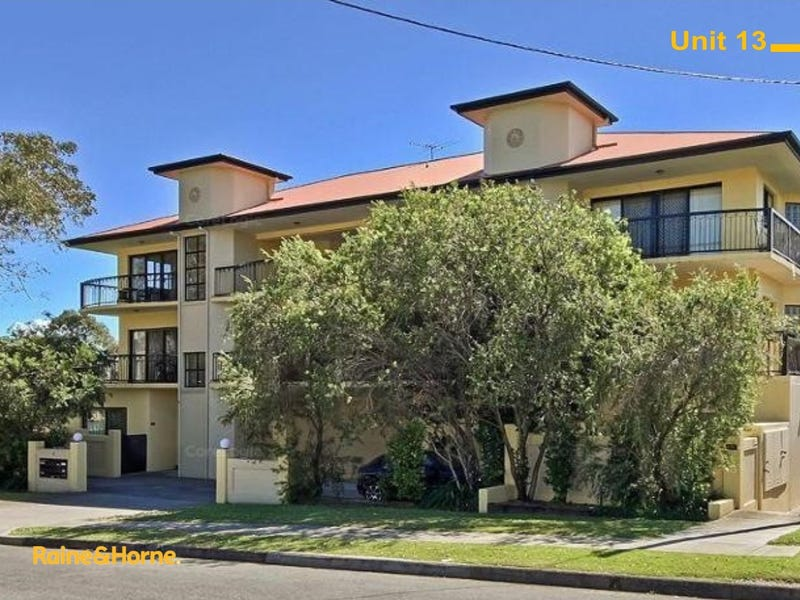 13/2-4 Henry Street, Redcliffe