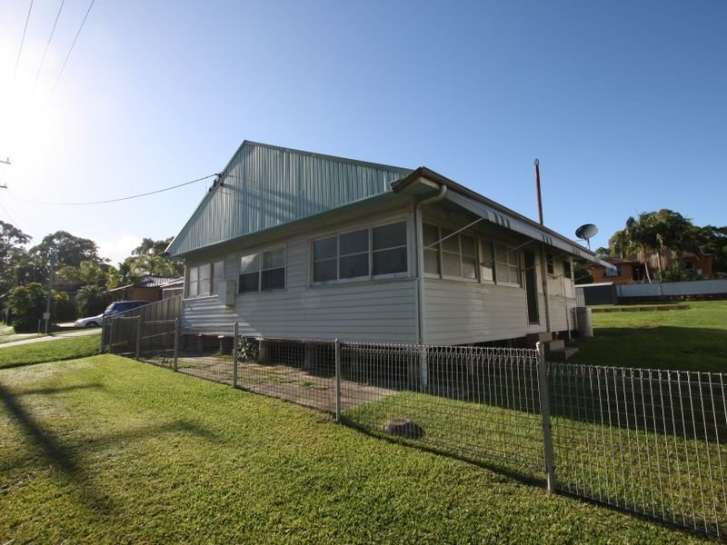 14 High Street, Marmong Point, NSW 2284