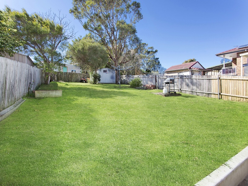 18 Bruce Road, Warrawong, NSW 2502