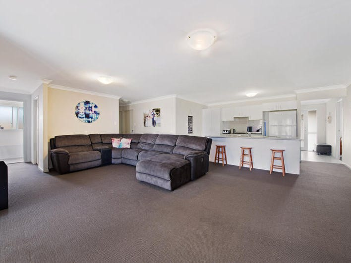 190  Roper Road, Blue Haven, NSW 2262