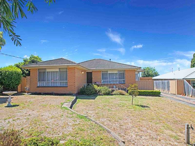 15 Amberley Court, Highton, Vic 3216