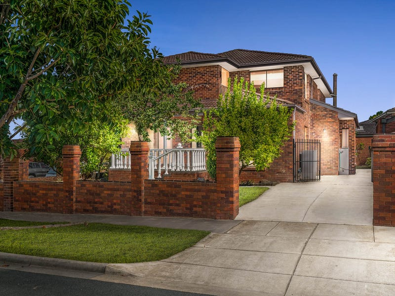 8 Sandalwood Drive, Oakleigh South, Vic 3167