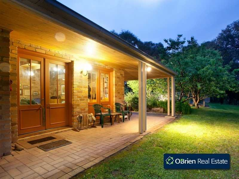 8 Sugarloaf Road, Beaconsfield Upper, Vic 3808