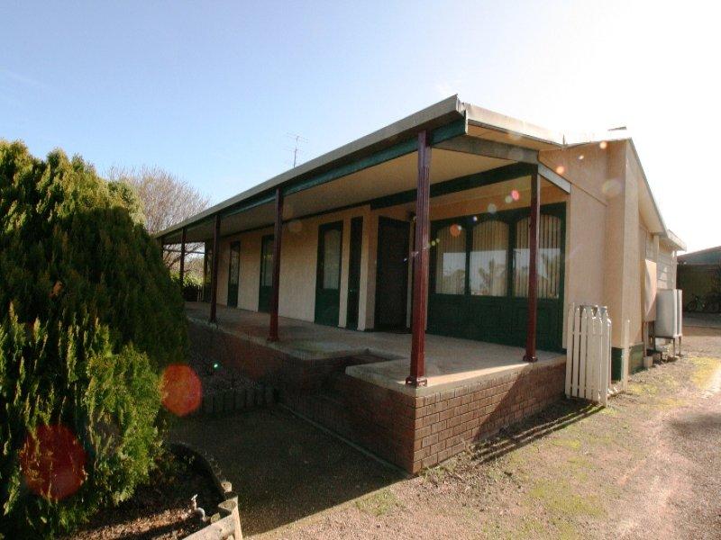 4 Martin Street, Moonta Bay, SA 5558