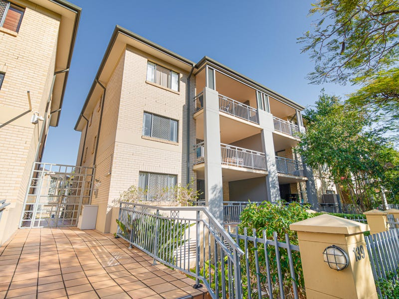 51/300 Sir Fred Schonell Drive, St Lucia, Qld 4067