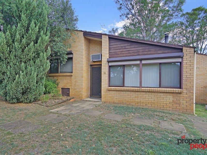 11/2 Whipbird Avenue, Ingleburn, NSW 2565