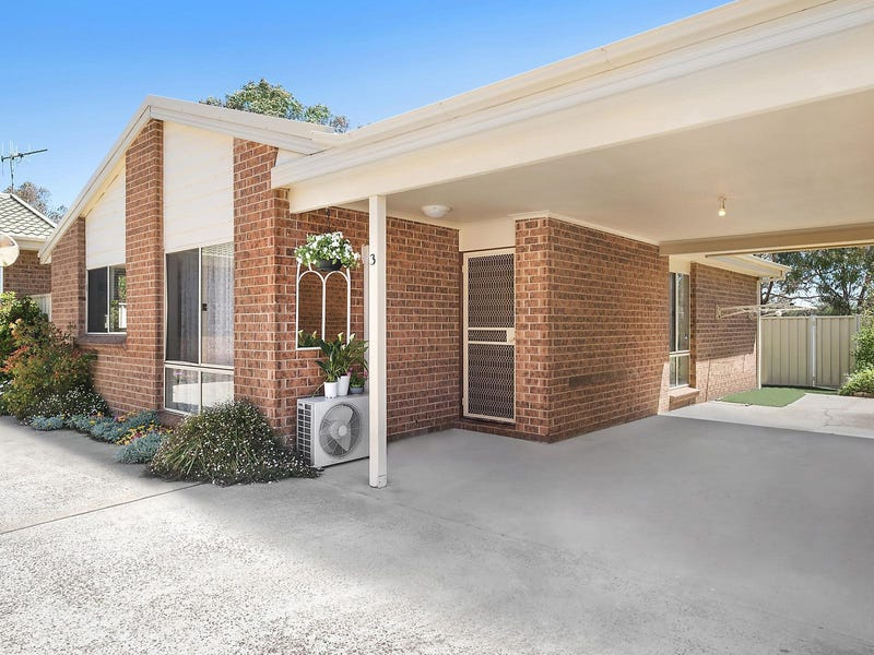 3/9 Walker Crescent, Jerrabomberra, NSW 2619