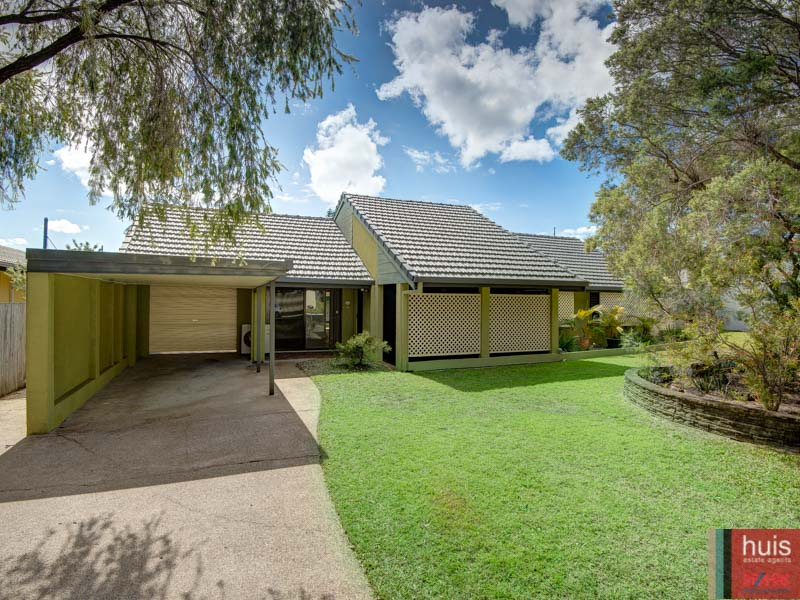 12 Bodian St, Carindale, Qld 4152