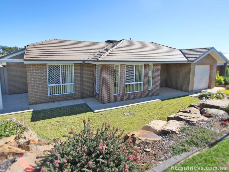 1/69 Yarrawah Crescent, Bourkelands, NSW 2650