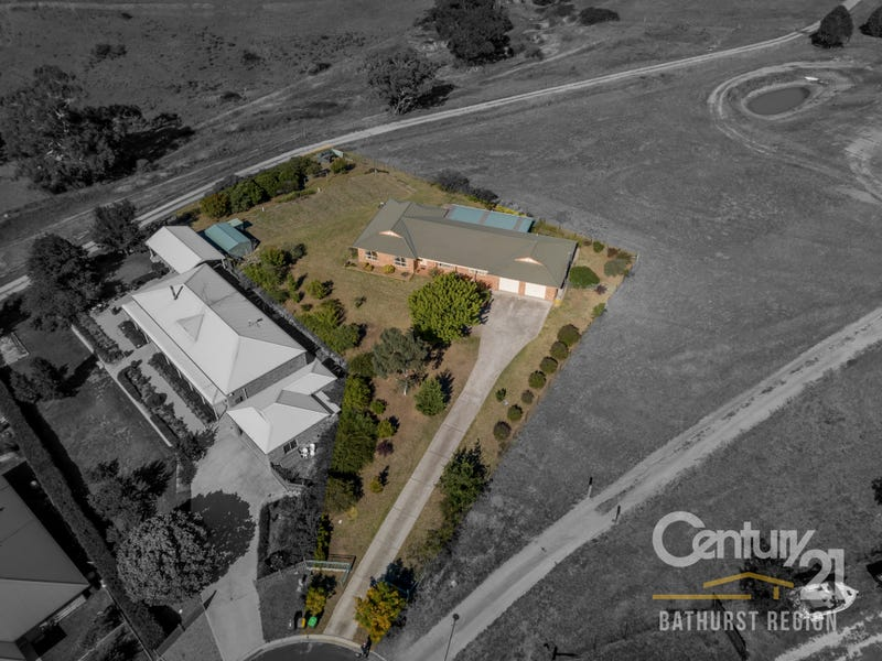 8 Kensington Place, Perthville, NSW 2795