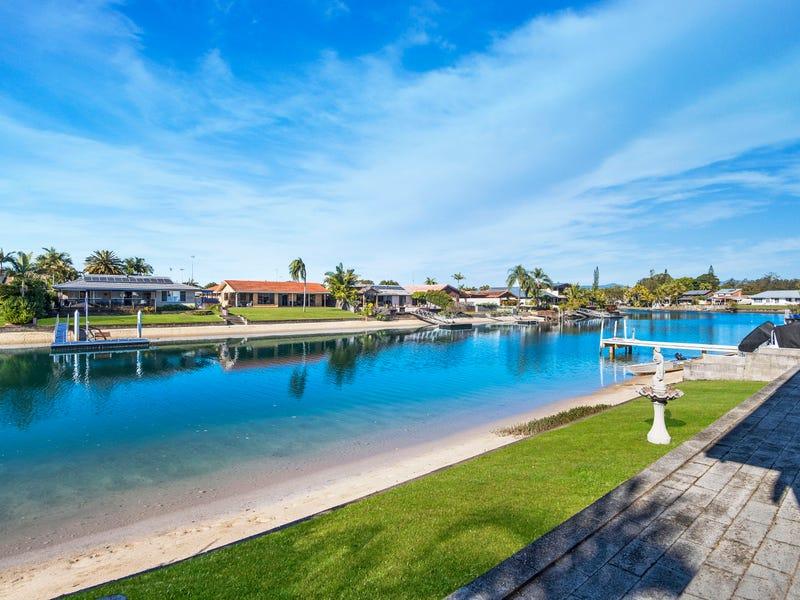 8 Kingfish Court, Palm Beach, Qld 4221
