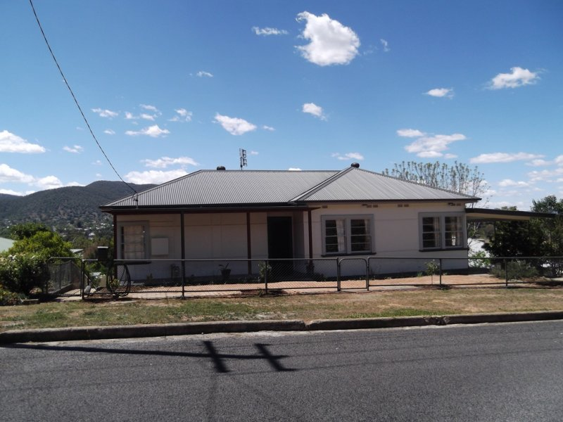 130 Crown Street, West Tamworth, NSW 2340