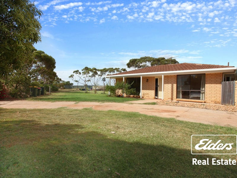 9 Leak Road, Kangaroo Flat, SA 5118