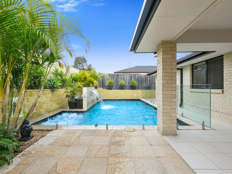 39 Bowley Street, Pacific Pines, Qld 4211
