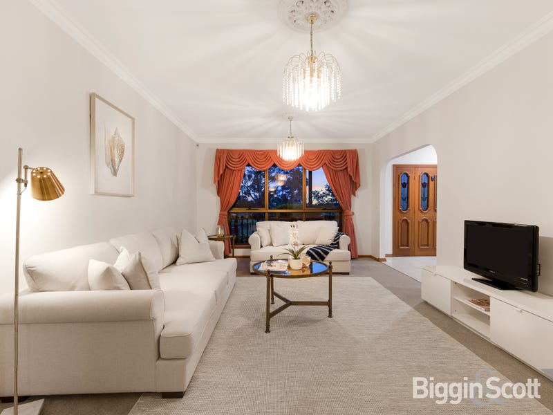 5 Grantchester Road, Wheelers Hill, Vic 3150