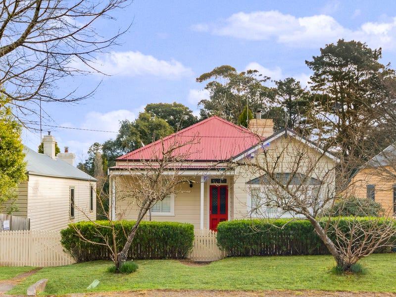 23 Blackheath Street, Leura, NSW 2780