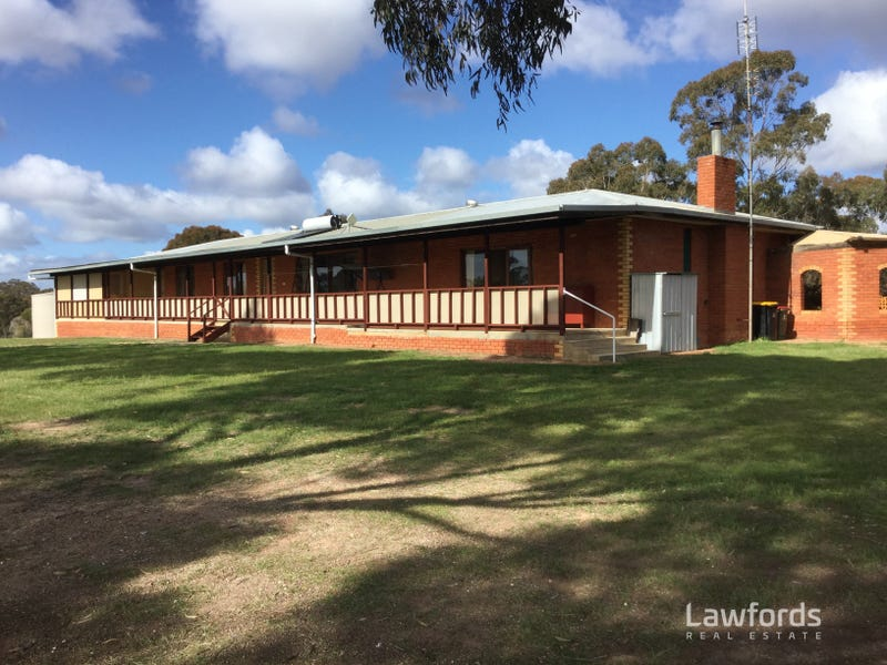 155 Scotts Road, Neilborough, Vic 3570