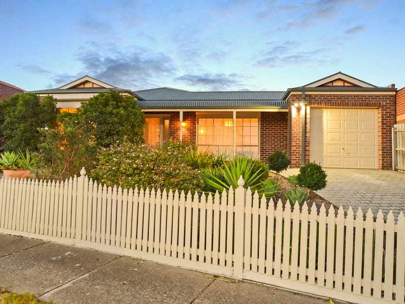 22 Penlow Court, Hillside, Vic 3037
