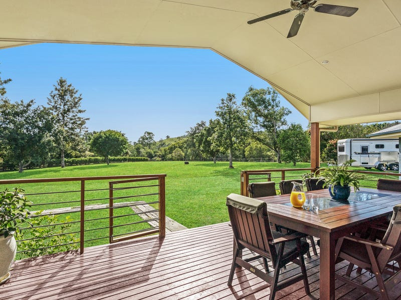 7 Range View Drive, Mount Samson, Qld 4520