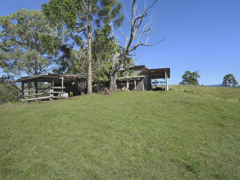 2 McCulloch Road, Armstrong Creek, Qld 4520
